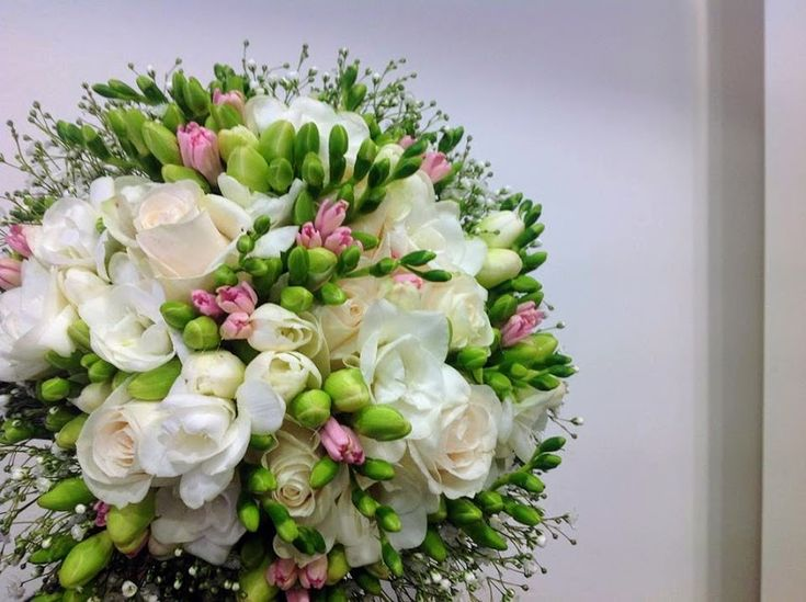 flowers papadakis est 1989  wedding bouquet with frezias  www.flowers4u.gr   tel 00302109426971