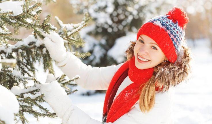 TOP 5 porad w zimowej pielęgnacji włosów - W zimowym okresie zazwyczaj nie przywiązujemy dużej wagi do ochrony i pielęgnacji włosów oraz skóry głowy. To błąd! Nieważne czy włosy są krótkie czy długie, farbowane czy naturalne – jeśli wiosną chcemy dumnie zdjąć czapki z głów, zimą koniecznie musimy o nie zadbać. Chcąc cieszyć się zdrową i...] http://ifakty.pl/2017/02/top-5-porad-zimowej-pielegnacji-wlosow-36225/
