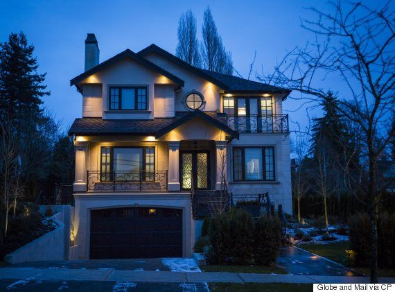 Chinese Buyers In Vancouver Real Estate Account For One-Third Of Sales Volume: Bank