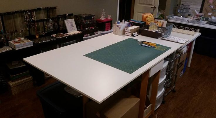 New big cutting mat and big table work surface! Much more room to work now in our busy workshop!