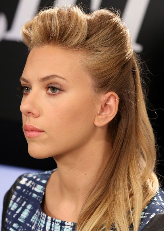 Los beauty looks de scarlett johansson piercings for Helix piercing jewelry canada