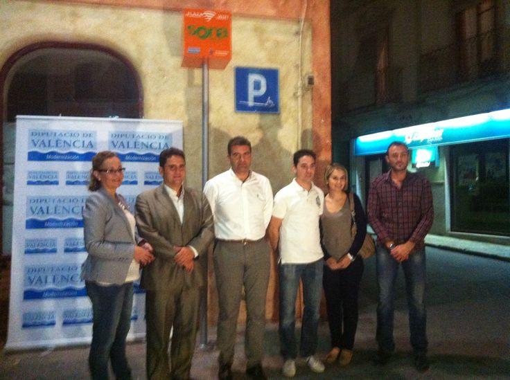 Inauguración del servicio gratuito de wifi en la plaza de Pedralba a cargo de Jose Manuel Haro
