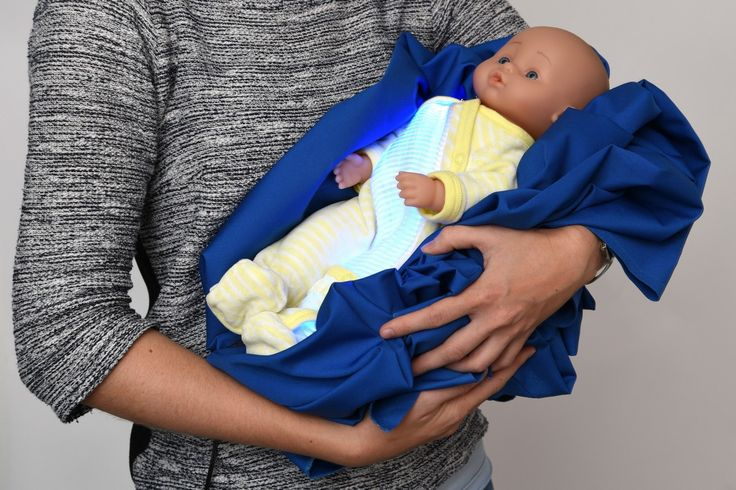 Jaunisse : un pyjama pour soigner Bébé: La jaunisse, également appelée ictère, est… #A_la_une #couveuse #ictère #jaunisse #lumière_bleue