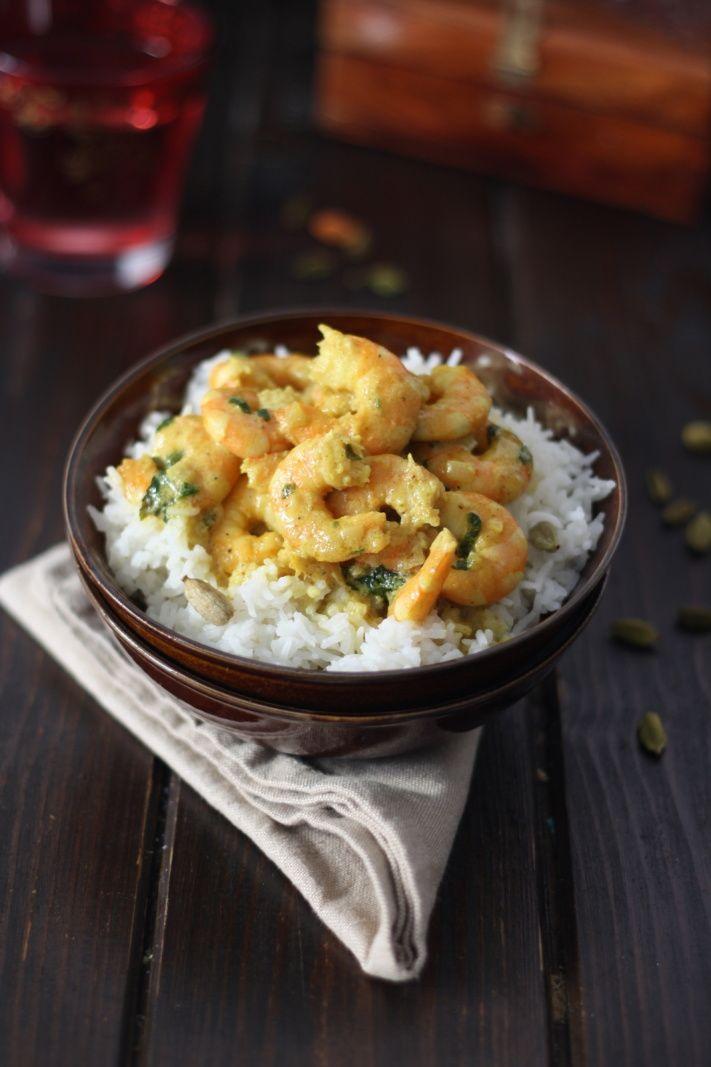 Un petit curry ca vous dit ? Moi oui :) Surtout que c'est une recette speed qu'on peut préparer à la dernière minute vite fait bien fait ! Il faut juste les bons ingrédients et hop !! J'imagine que vous avez remarqué un grand changement sur mon blog ?!!...
