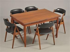 Lauritz.com - Moderne borde og stole - Duba: 5 stole i teak med sort kunstlæder. Samt spisebord af teak med udtræk, 1960'erne (6) - DK, Odense, Kratholmvej