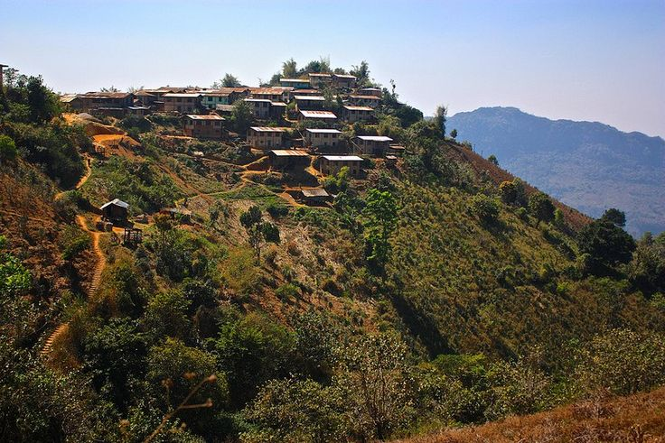 Kalaw(Town in Myanmar) Kalaw is a hill town in the Shan State of Burma(Myanmar)