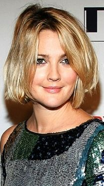 Drew Barrymore Short hair http://girlyinspiration.com/