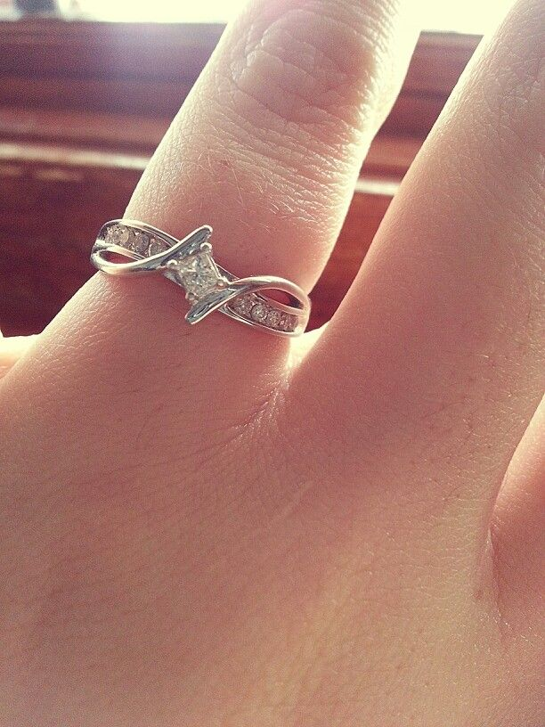 I love my promise ring!!