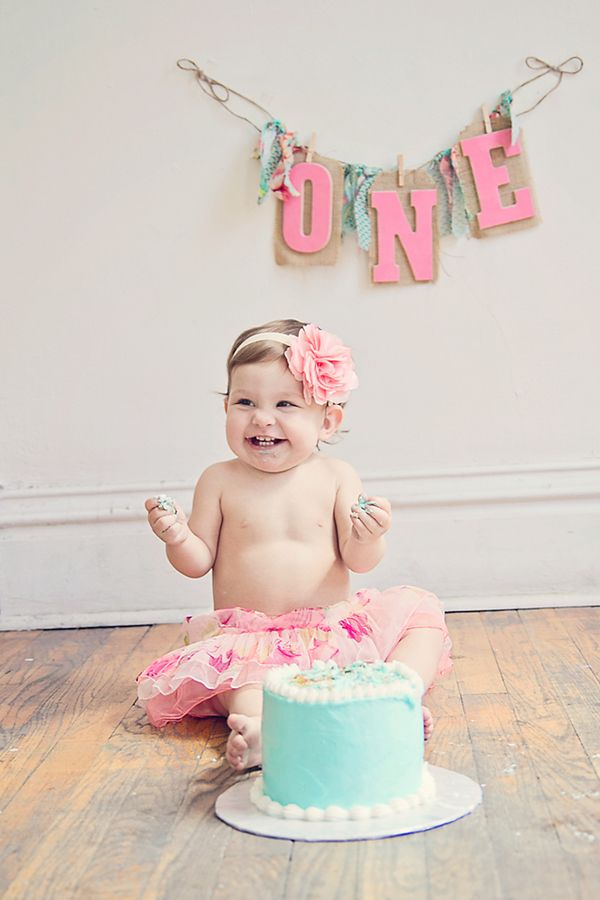 Cake Smashing Session  //  Liz Anne Photography