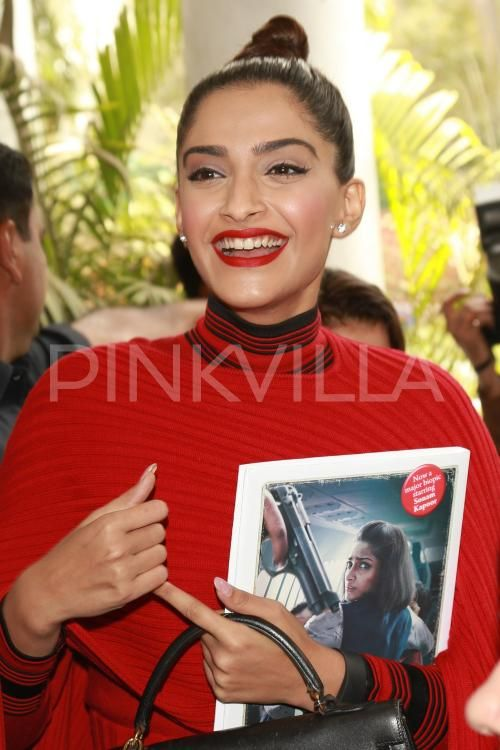 Hot: Sonam Slays In Red at the Launch of #Neerja Bhanot's Biography.