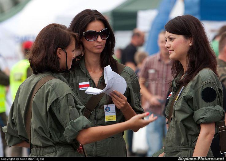 - Aviation Glamour - aircraft at Radom - Sadkow photo