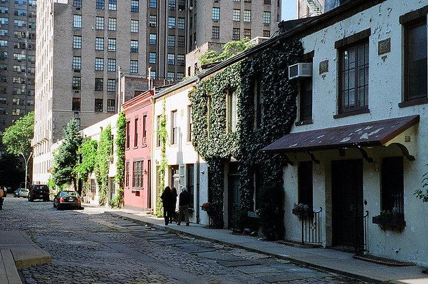 """14 non-touristy things to do in NYC, that once your do them will make them """"touristy"""" things."""