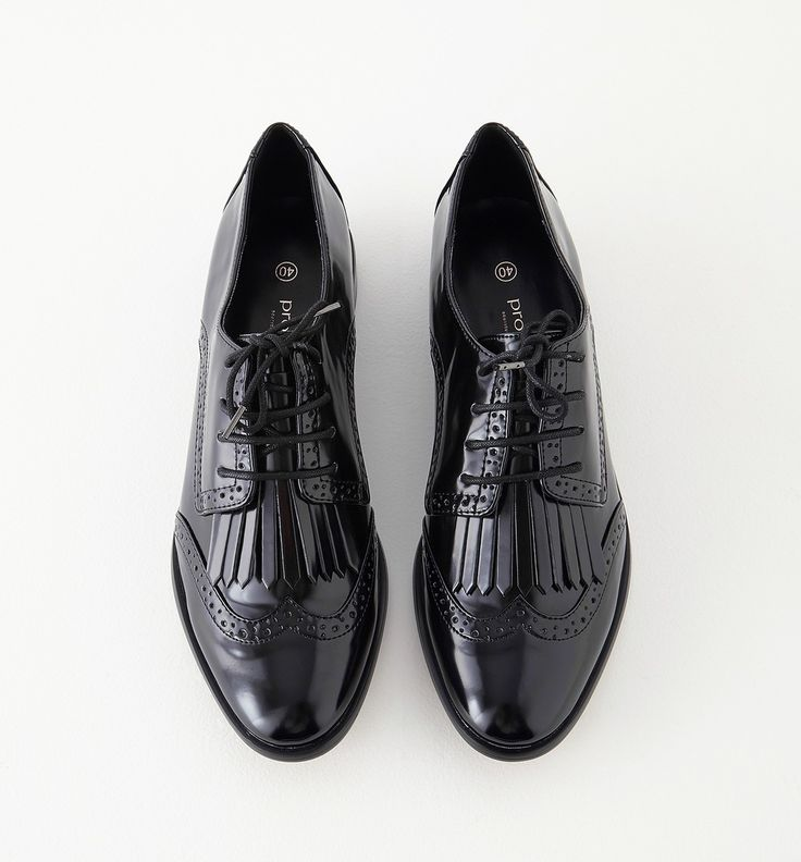 http://www.promod.fr/femme/chaussures/derbies/derby-a-bout-fleuri-femme-noir-R5290029001.html                                                                                                                                                                                 Plus