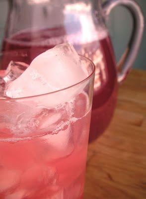 Herkkusuun lautasella-Ruokablogi: Heleän vaaleanpunainen raparperimehu