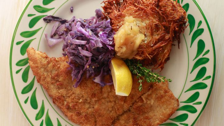 Crispy and crunchy! Try this Pork and Veal Schnitzel with apple sauce and potato pancakes for dinner! YUM, YUM!