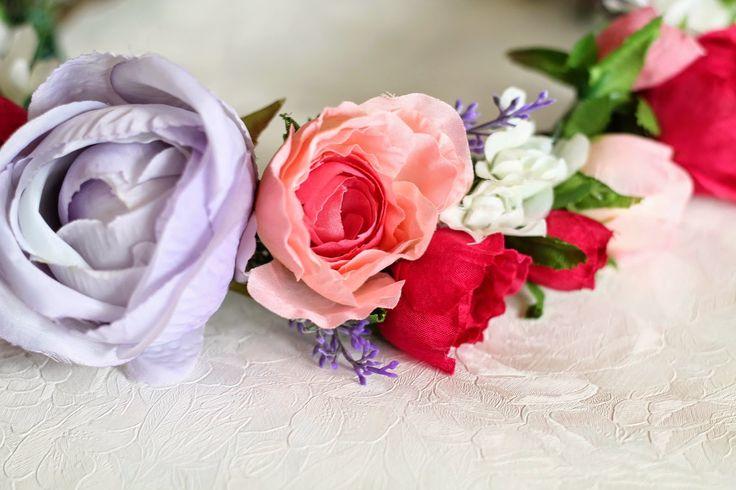 Rose Tinted Illustration: ROSE TINTED FLOWER CROWN // FOR JODI