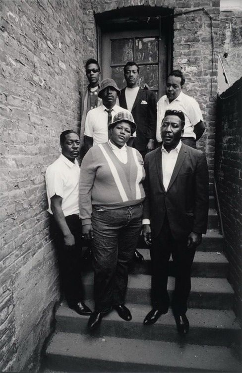 Big Mama Thornton and The Muddy Waters Blues Band with James Cotton standing behind Muddy