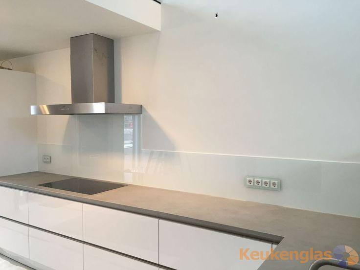 Creme Kleurige Keuken : Witte keukenwand in Haarlem – Keukenglas #keukenglas #Eindhoven #