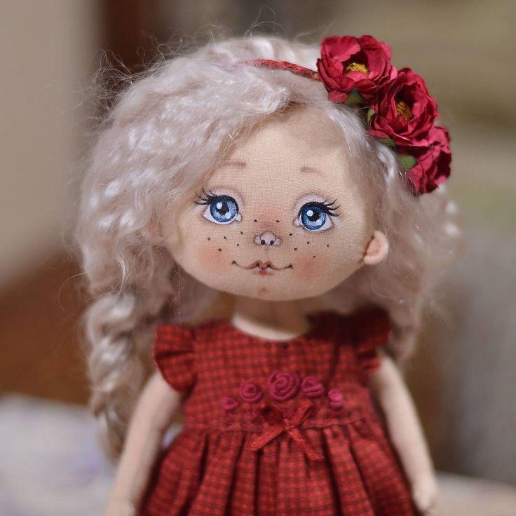 Доброе утро 😄 Беляночку вам в ленту для хорошего настроения.   #куклы #кукла #авторскаяигрушка #ручнаяработа #авторскаякукла #игрушканазаказ #интерьернаякукла #подарок #идеяподарка #куклаизткани #doll #artdoll #instadoll #текстильнаякукла #инстаграмнедели #люблю #люблюсвоюработу #омск