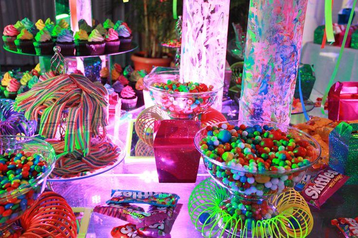 decoracion fiesta de 15 años en neon - Buscar con Google