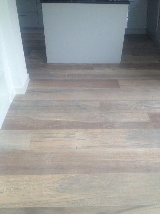17 beste idee n over keramische houten vloeren op pinterest houten tegels hout keramische - Beeld tegel imitatie parket ...