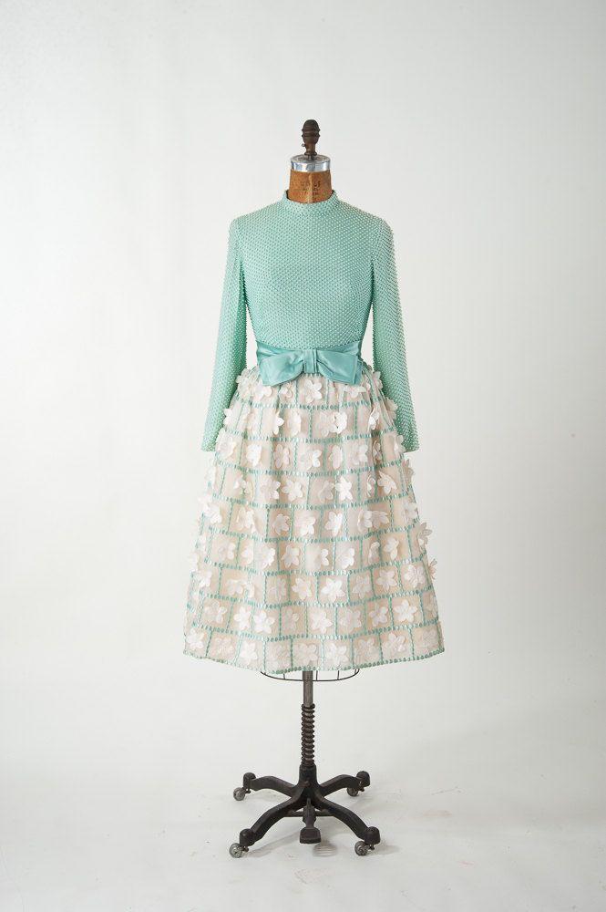 Vintage jaren 1950 zijden jurk, Aqua parel kralen partij jurk met bloem Appliques & Satin Bow, 50s dode inventaris jurk, vrouwen kleding jurken
