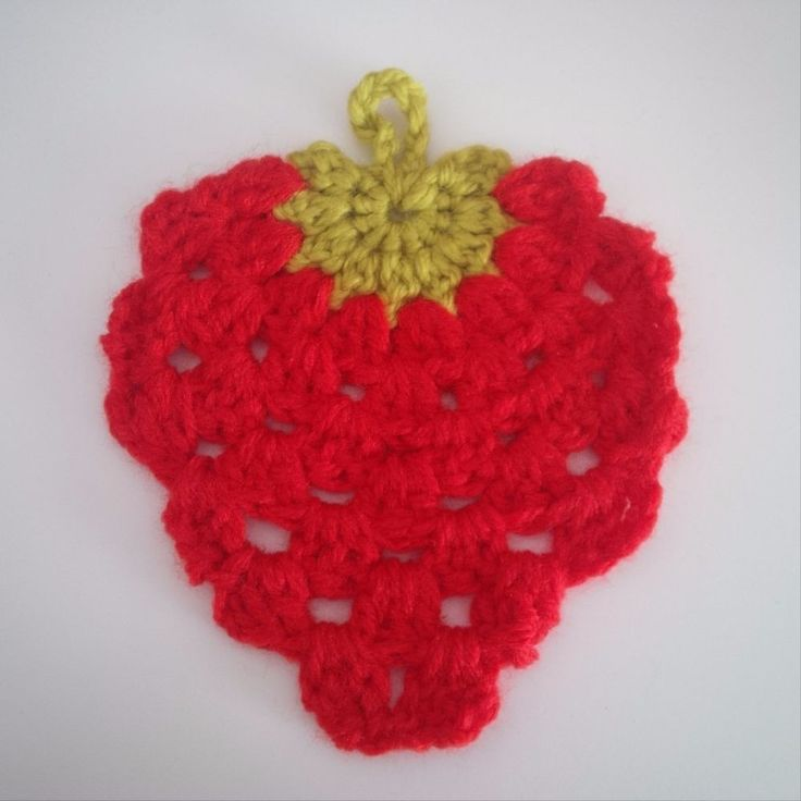 PACK OF 3 STRAWBERRY APPLIQUE, HAND MADE CROCHET , STUNNING...