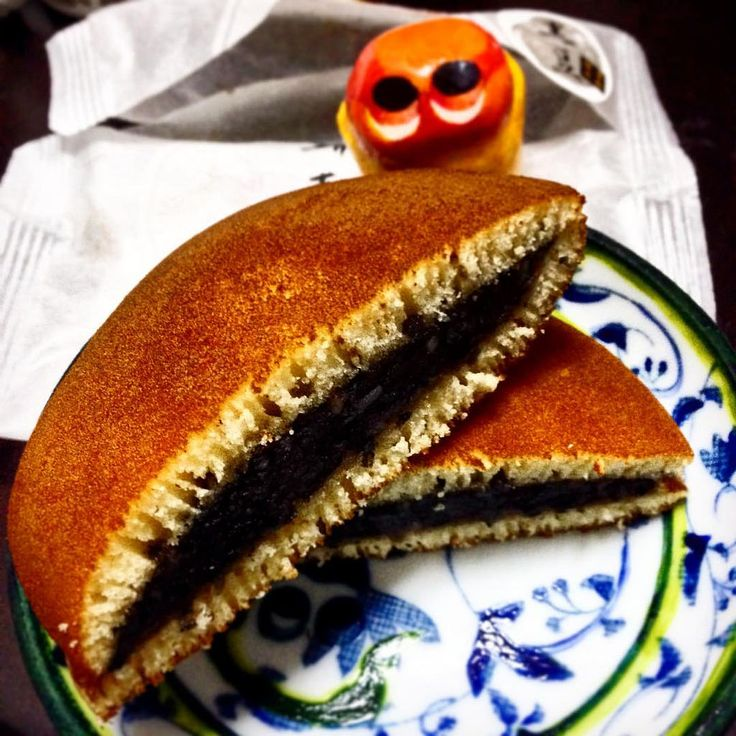 https://flic.kr/p/CLYmFA   Eat DORAYAKI of Mori Koshiro! #mizumushikun #Tokyo #tokyofood #sweets #wagashi #japanesefood #japan #dorayaki #morikoshiro