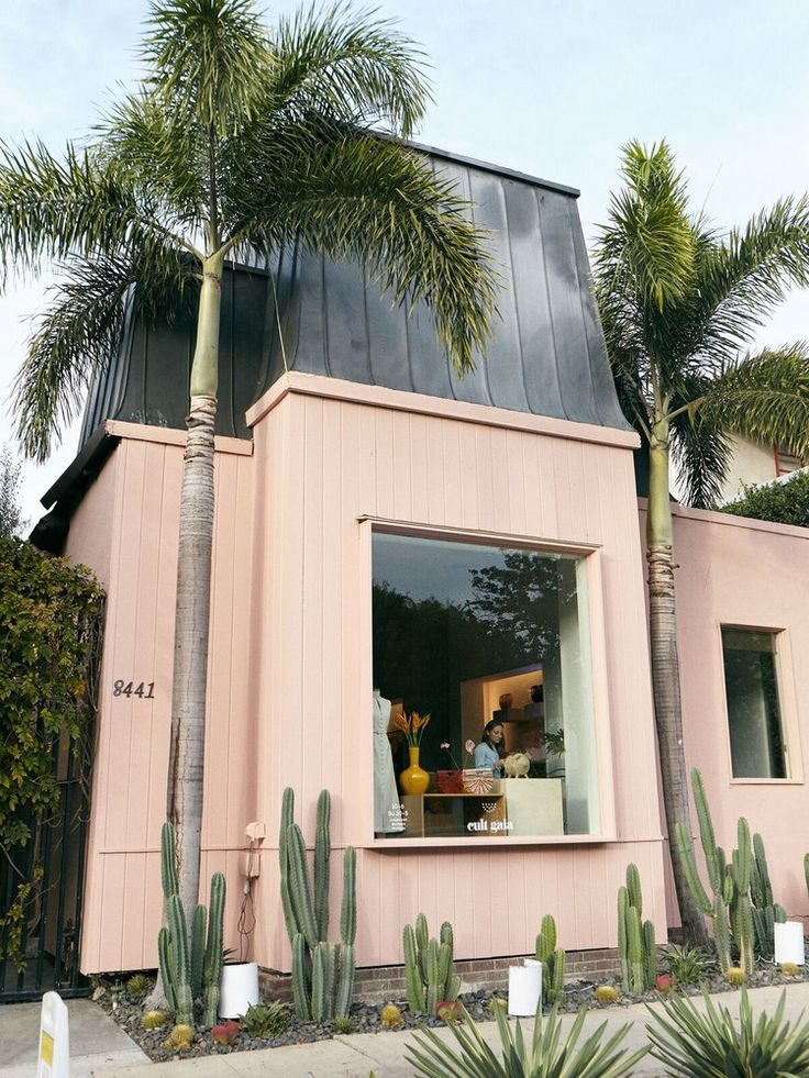 Fashion and decor aficionados alike are sure to be obsessed with this newest LA pop-up. Cult Gaia just opened a temporary shop in Melrose Place, and it's full of cult favorites and resort vibes that make it a must-see design destination.