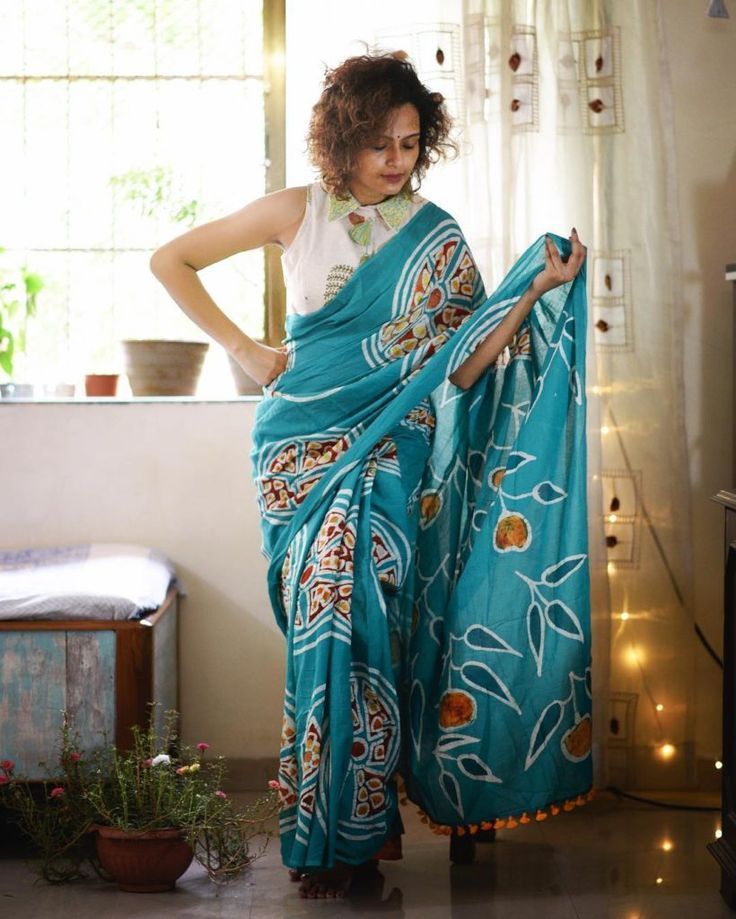 32775a84727692 Looking for latest blouse sleeve designs to try with your sarees  Check out  30+ gorgeous sleeve styles that you can try with silk and party wear sarees.