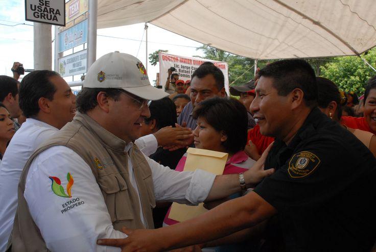 El Gobernador de Veracruz, Javier Duarte de Ochoa, inició el programa Adelante en San Andrés Tuxtla, en Veracruz el 13 de julio de 2011.