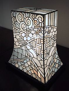 atelier SUETOMO|ランプ06|末友 章子のステンドグラス