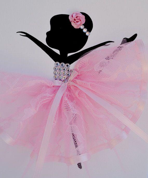 Arte de pared de vivero bailarina en rosa y blanco. Decoración
