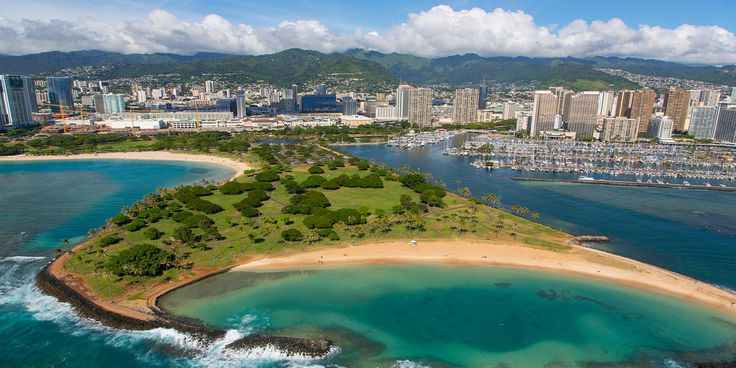 From authentic Hawaiian fast-food joints to picturesque drives often overlooked by visitors, here are 9 secret spots to make your next trip to Oahu unique.