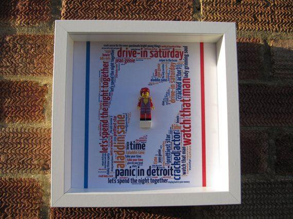 Aladdin Sane affichage personnalisé de figurine par Brickish