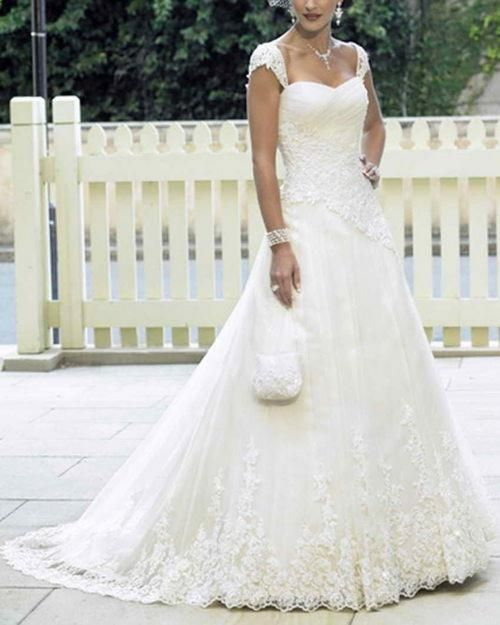 If I ever got married, this would be the dress.