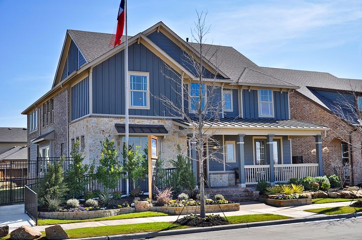 61 best plantation homes images on pinterest plantation for Craftsman home builders houston