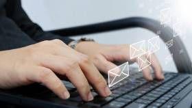 El abrir un correo electrónico en inglés y encontrarse con frases adecuadas para requerir información, dar una buena noticia, o para un correo de primer contacto o de seguimiento son siempre una bocanada de aire fresco. Para los ingleses, si no utilizas protocolos de comunicación adecuados en tu correspondencia de negocios puede ser por dos razones...
