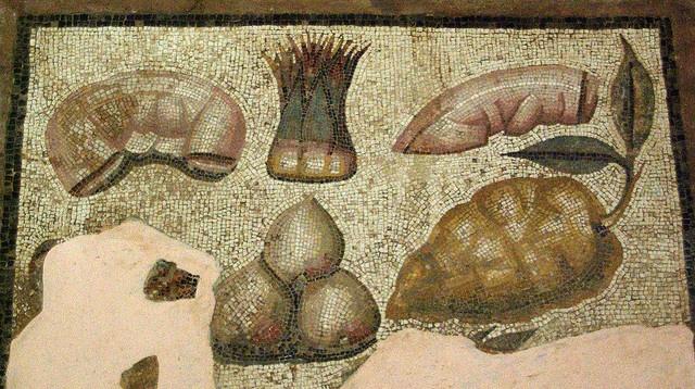 Aliments, Museu de Sàbrata    Food (mosaic), Roman Museum of Sabratha, Libya.