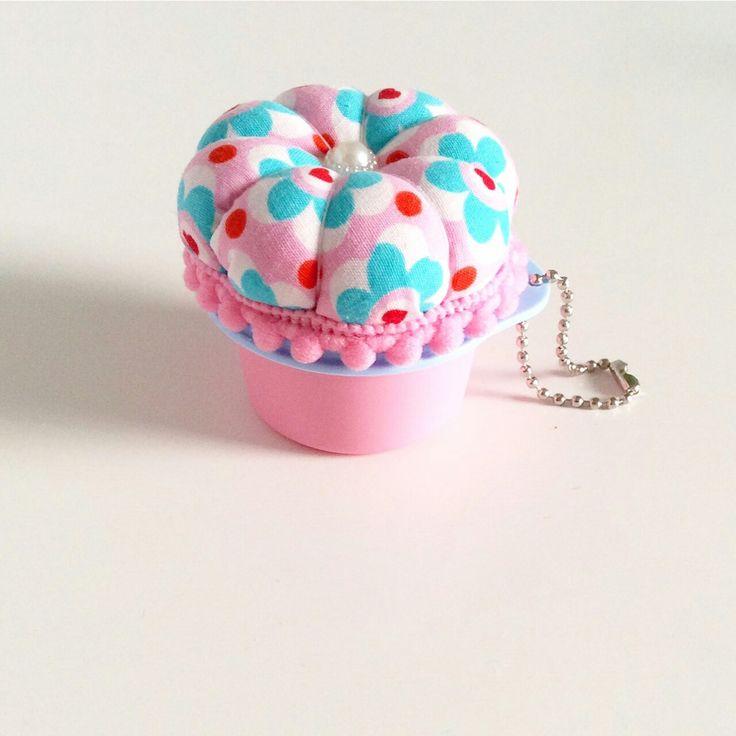 Cupcake pincushion+keychain
