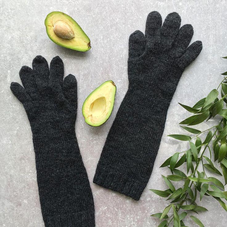 30 отметок «Нравится», 3 комментариев — 💙вязаная одежда и аксессуары💙 (@kristina_bari) в Instagram: «Перчатки готовы 👐  А я открыла для себя авокадо 🥑  Не замечала я его раньше, а вот теперь он будет…»