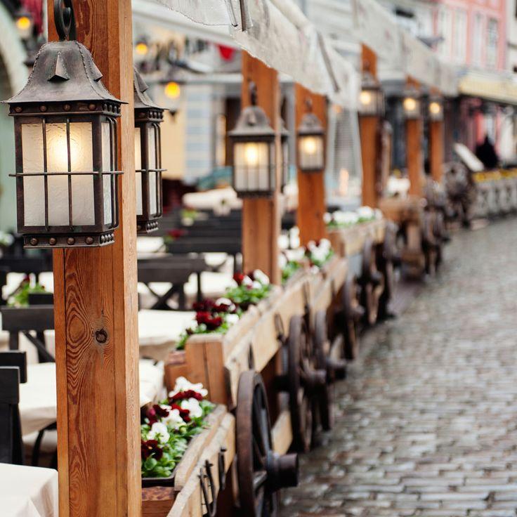 Gaderestaurant at lune sig på når man har været på julemarked i Riga. Find julemarkeder her: http://www.apollorejser.dk/tilbudrabatter/julemarkeder