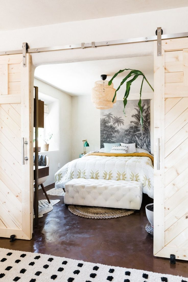 How an artist perfected the desert vibe in less than 800 - Very small bedroom ideas ...