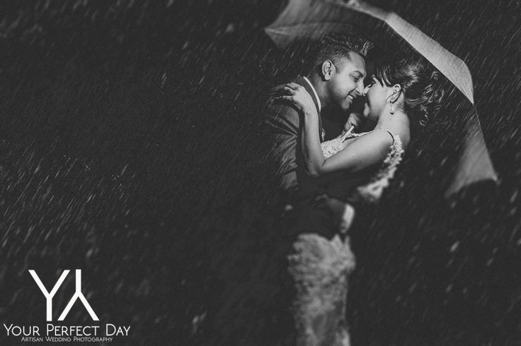 Rain didn't stop this couple from capturing some gorgeous photos!