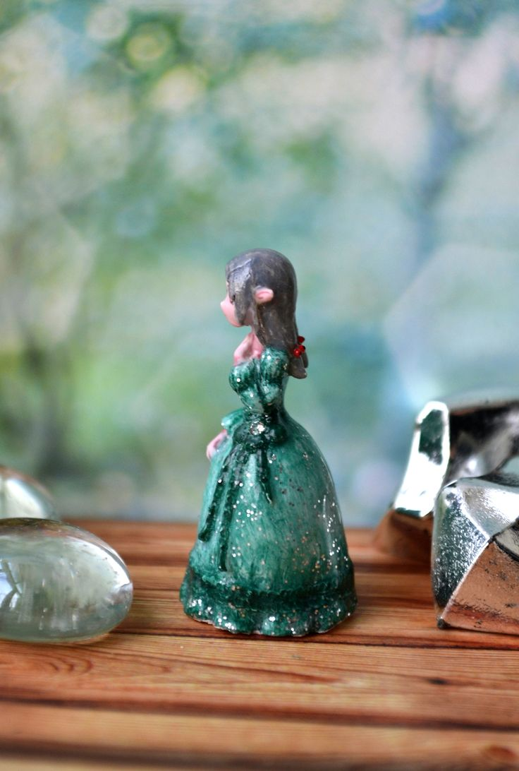 "Miniature ""Frosty needles"""
