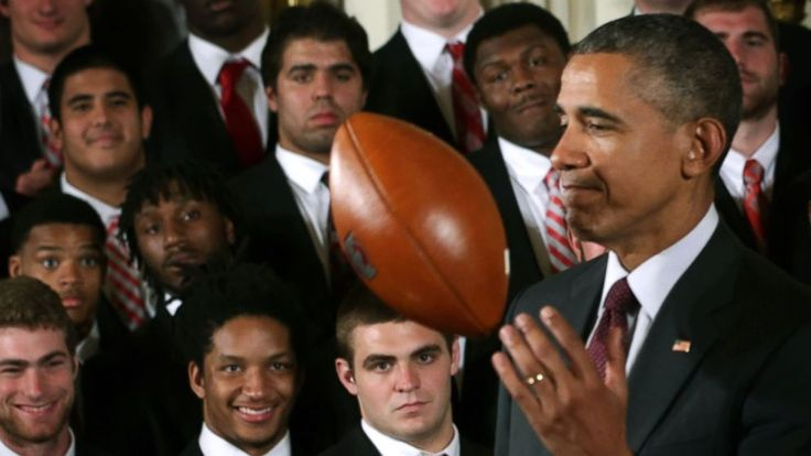 The Obamas have conquered the world of politics, so is the sports world next?   Well, they're on track to do so.   Jim Harbaugh, head football coach of the University of Michigan Wolverines, says he's planning to ask former President Barack Obama and former first lady Michelle... - #Coach, #Honora, #Michigan, #Obamas, #TopStories, #University