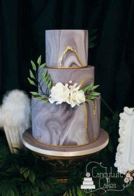 Bolo de casamento com decoração marmorizada