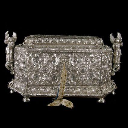 orfebrería aragonesa del siglo XVII y XVIII Arca para el Monumento de Jueves Santo. Plata repujada. Siglo XVII.