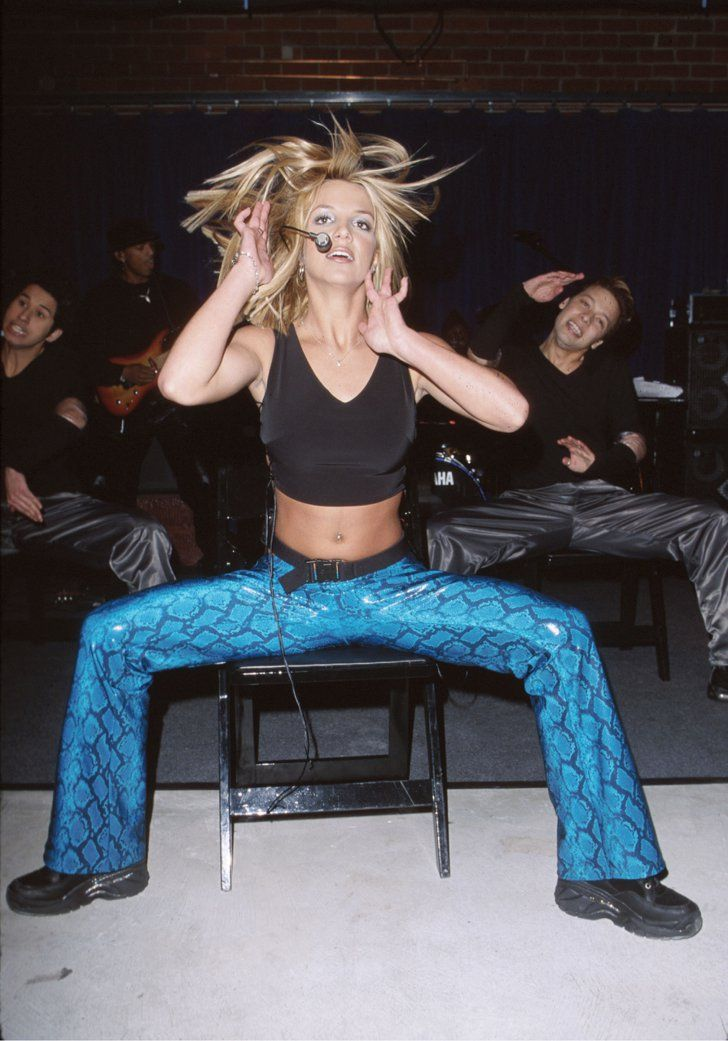 Pin for Later: 80 Pictures of Britney Spears That Are Straight Out of a Time Capsule January 2000