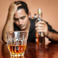 The stages of alcoholism go from binging to addiction & dependence